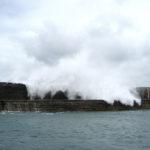 Alderney – Wellenbrecher am Hafen