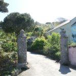 Idyllische Häuser und Gärten auf Herm
